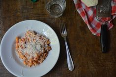 Simple delicious summer: fried eggplant and tomato pasta from Rachel Eats