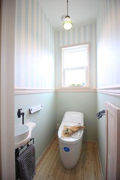 ホワイトの素材感を楽しむふんわりフレンチシックなお家 Bathroom Images, Small Bathroom, Diy Kitchen, Powder Room, Bathing, Sweet Home, House Design, Interior Design, Furniture