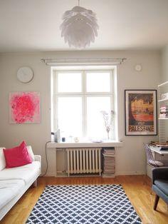 Kurkistus kotiin: olohuone | Sisustus, sohva, bloggaajan koti, String - Pupulandia | Lily.fi