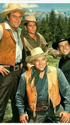 The Cartwrights (from left): Dan Blocker as 'Hoss', Michael Landon as 'Little Joe', Lorne Greene as 'Ben' & Pernell Roberts as 'Adam' in Bonanza NBC) You just can't beat the westerns! Great Tv Shows, Old Tv Shows, Lorne Greene, Pernell Roberts, Michael Landon, Tv Westerns, Vintage Tv, My Childhood Memories, Classic Tv