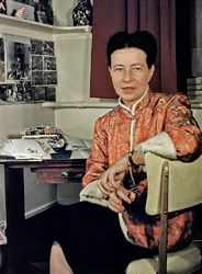 Simone de Beauvoir, zurück aus China, ca. Jean Paul Sartre, Le Castor, Feminist Theory, Writers And Poets, Photographs Of People, Influential People, Documentary Photography, Looks Style, Powerful Women