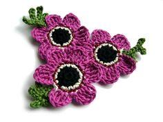 Häkelapplikationen - ○ Häkelblüten ○ - ein Designerstück von crochet bei DaWanda