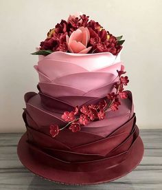 If you are thinking about which cake to order for you baby then here is a list of birthday cake ideas! Pretty Cakes, Beautiful Cakes, Amazing Cakes, Wedding Desserts, Fun Desserts, Wedding Cakes, Buttercream Cake, Fondant Cakes, Royal Cakes
