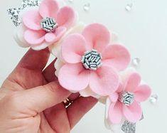 Hand made pink felt flower headband & silver leaves. Hair accessories, felt flower crown, baby headband, birthday crown, floral headband