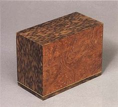 Small box made of mulberry and mottled persimmon wood. ONO Showasai  THE 40th EXHIBITION OF JAPANESE TRADITIONAL ART CRAFTS