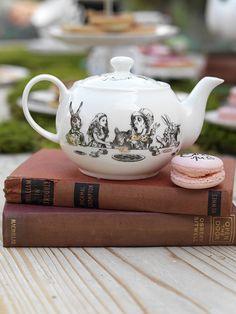 V&A Alice In Wonderland Collection