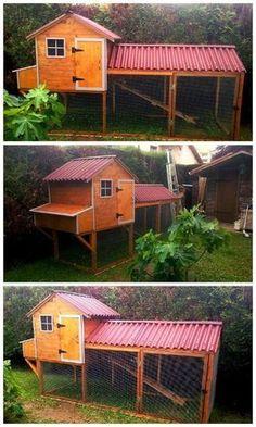 DIY Chicken Coop From Pallets.