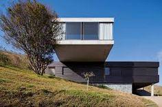 Resultado de imagem para casa em balanço arquitetura