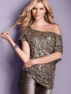 Late-night style calls for major sparkle. Enter the Sequin Off-the-shoulder Tunic from Victoria's Secret. The perfect top to wear and pair with anything for instant impact, it's the definition of effortless glam in a relaxed, oversized fit.