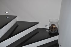 granit na schody Luxury Staircase, Staircase Landing, Staircase Design, Stair Design, Modern Stairs, Stair Risers, House Entrance, Ceiling Design, Decoration