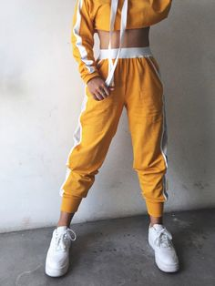 The tracker pants sport outfits, dance outfits, chic outfits, fashion outfits, pants Winter Outfits For School, Casual Outfits For Teens, Teen Fashion Outfits, Sporty Outfits, Trendy Outfits, Summer Outfits, Casual Wear, Chic Outfits, Jugend Mode Outfits
