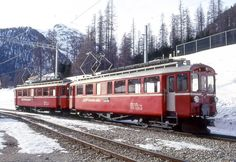 RhB Extra train preparation 3417 from Pontresina to Ospizio Bernina on 21.02.1998 in Pontresina with the oldtimer engine ABe 4 / 4I 31 - ABe 4/4 34. Note: Traction unit 34 still in red!