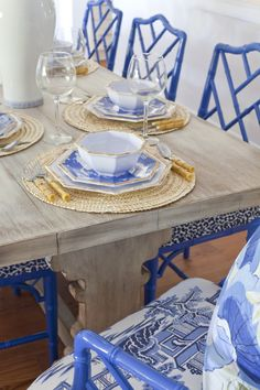 Cadeiras - Thanksgiving dining table in Sea Island Georgia interiors by Parker Kennedy Living Dining Room Blue, Dining Room Design, Dining Table, Dining Rooms, Dining Chairs, Kitchen Chairs, Wood Table, Room Chairs, Painted Bamboo