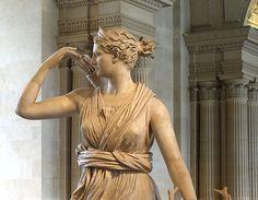Artemis, the Diana of Versailles, 1st-2nd C. AD détail ~ Musée du Louvre