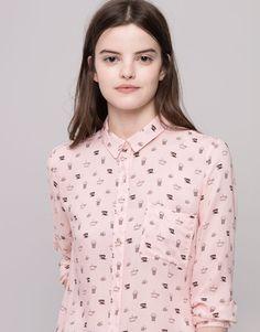 Pull&Bear - mujer - blusas y camisas - camisa estampada con bolsillo manga larga - rosa - 09471324-I2015