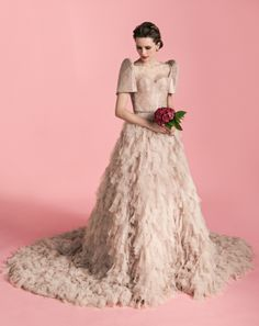 Fashion Friday: Madore by Veejay Floresca Spring 2014 Collection Modern Filipiniana Gown, Filipiniana Wedding, Dresses To Wear To A Wedding, Colored Wedding Dresses, Bridesmaid Dresses, Prom Dresses, Filipino Fashion, Designer Wedding Gowns, Palawan