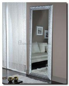 mooi een witte spiegel op wit bruine wand.   witte spiegels white ... - Spiegel Modern