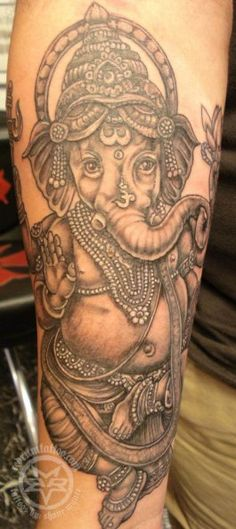 Ganesh tattoo by Shane Munce.  I went to school with the guy who did this tattoo.  He does amazing work!!!