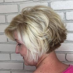 42 Latest Short Hairstyles To Refresh Your Look Today! – We have the latest on how to get the haircut, hair color, and hairstyles you want for the season! 42 Latest Short Hairstyles To Refresh Your Look Today! 360 View Of Short Hair Stacked Bob Hairstyles, Bob Hairstyles For Fine Hair, Short Hairstyles For Women, Hairstyles Haircuts, Trendy Hairstyles, Pixie Haircuts, Short Thin Hair, Short Hair Cuts, Thick Hair
