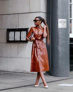 Brown Leather Skirt, Leather Fashion, Autumn Winter Fashion, Work Wear, Wrap Dress, Fashion Dresses, Style Inspiration, Shirt Dress, Skirts