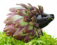 Depuis toujours Vanessa Dualib se passionne pour les fruits et légumes et autres victuailles qu'elle s'amuse à mettre en scène avec beaucoup d'humour et de créativité …  Vanessa Dualib, à vos légumes ... Cette photographe brésilienne de Sao Paolo à laquelle on a bien évidemment appris dès son plu