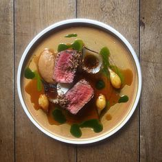 "Daniel Watkins / Instagram: ""Aged beef, onion, truffle #TheArtOfPlating #theanchor  #chefstalk"