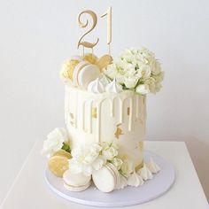 Our most popular design for 2016 by far 💕💕 Happy off to celebrate at The Garden Beautiful roses 21st Birthday Cakes, Gold Birthday Cake, Pretty Cakes, Beautiful Cakes, Cupcake Cakes, Cupcakes, Macaroon Cake, 18th Cake, Dessert Decoration