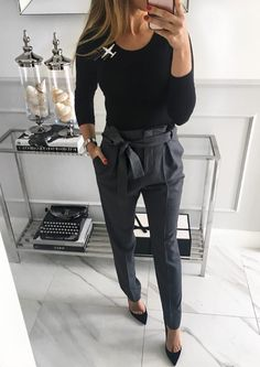 Love the tie waist pants work outfits women winter office style, fall work fashion, Casual Work Outfits, Winter Outfits For Work, Mode Outfits, Work Casual, Outfit Work, Creative Work Outfit, Winter Work Dress, Fall Work Wear, Casual Black Dress Outfit