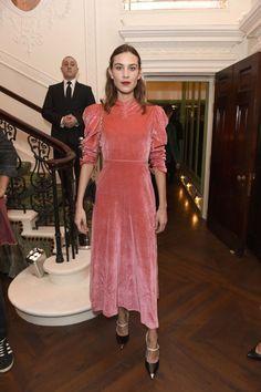 ¿Te gusta el  vestido Pamela White Folk de la firma de  moda  RosseFischer   Puedes comprarlo en  MaribelFernández  64a05baae41d7