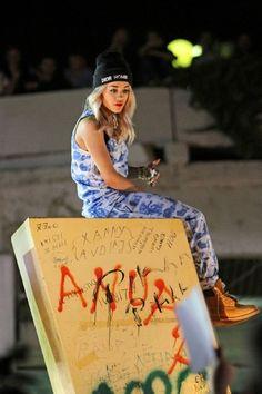 rita ora | Tumblr Hip Hop Fashion, Dope Fashion, Fashion Killa, 90s Fashion, Dope Style, My Style, 90s Hip Hop, Rita Ora, Oras
