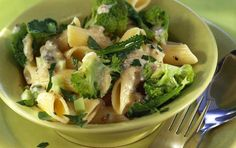 Penne salad with broccoli and yogurt Gorgonzola Pasta, Cooking Time, Cooking Recipes, My Favorite Food, Favorite Recipes, Broccoli Salad, Salad Bar, Eat Smarter, Greek Recipes