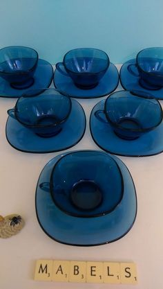 VERECO ~BLUE GLASS~ coffee cups and saucers x 6