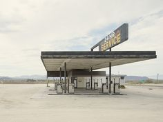 Gas Station Desert Center California - Iñaki Bergera