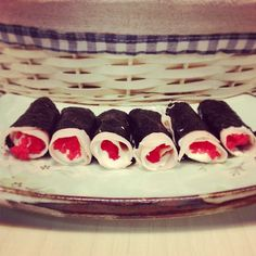 http://instagram.com/p/fiXteADISC/  Sushi Dukan Nori, peito de peru, creme de ricota light e ovas #sushi #sushidukan #lowcarb #dukan #dukandiet #diet #dieta #paleo #paleodiet #healthy #healthyfood #eatclean #eathealthy #food #nori