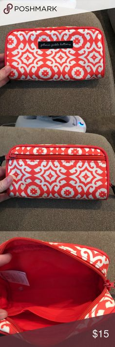 PPB Bag GUC. Petunia Pickle Bottom glazed powder room case. Perfect to organize diaper bag. Measures 8.5 x 2 x 5. Small stain bottom/back as pictured.  Cross posted. Petunia Pickle Bottom Bags Cosmetic Bags & Cases
