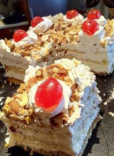 Greek Sweets, Greek Desserts, Party Desserts, Greek Recipes, Desert Recipes, No Bake Desserts, Food Network Recipes, Food Processor Recipes, Cooking Recipes