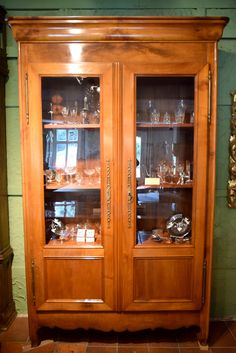 Vitrine, Kirsche, ca. 1830 China Cabinet, Antiques, Furniture, Home Decor, Glass Display Case, Cherries, Antiquities, Antique, Decoration Home