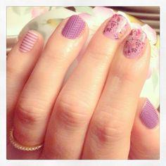 Jamberry: Orchid Skinny & Purple Herringbone & Orchid Boquet. Love this look!! http://heatherjenkins.jamberrynails.net