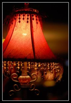 4 Sharing Hacks: Glass Lamp Shades Bedside Tables lamp shades vintage gone with the wind.