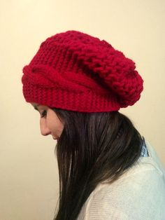 Red slouchy Beanie red Line