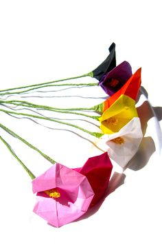 Origami Paper Calla Lily -available in many colors- You will be ready to decorate your home for Summer or Fall with these color choices. Every one of these calla flowers are carefully hand-folded by a Japanese woman using Japanese traditional folding method. These paper flowers will make a wonderful gift for any occasion, or a unique and exquisite home decor