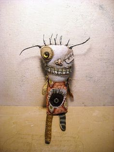 http://junkerjane.blogspot.com/  love this guy!