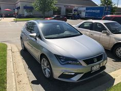 A SEAT Leon FR in the Chicago suburbs? 🤔 #carspotting Volkswagen Group, Chicago, Bmw, Vehicles, Car, Vehicle, Tools