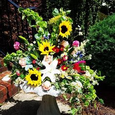 We love when our customers challenge us! We welcome all ideas. #birdbath with flowers #charlotte #clt #charlottenc #charlottegotalot