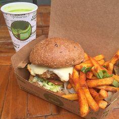 Vem pegar o seu X salada veggie aqui!! >> Rua Estados Unidos 2174 - Jardins >> até 14:30 #veggiesnapraça #saborsobrerodas #semcarnecomamor #tenhaumfelizdia #guiacomidaderuasp by veggiesnapraca