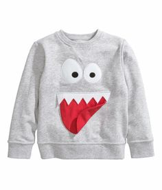 Shop kids clothing and baby clothes at H&M – We offer a wide selection of children's clothing at the best price. H&m Fashion, Fashion Kids, Baby Boy Outfits, Kids Outfits, Baby Kids Wear, Childrens Wardrobes, Knitting Patterns Boys, Baby Boy Dress, Cool Baby Clothes