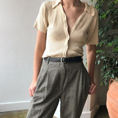 Cream silk button down and wool houndstooth high waisted pleated trousers. Top will fit Sz 0-4 and $36 + shipping. Trousers are Sz 2 and $56 + shipping. First to comment with postal code for purchase. SOLD Look Fashion, 90s Fashion, Fashion Beauty, Winter Fashion, Vintage Fashion, Fashion Outfits, Outfits 2016, Fashion Trends, Beige Outfit