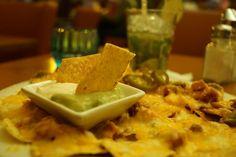 Nachos Tijuana. Mit Hähnchen und Käse überbacken - Yelp