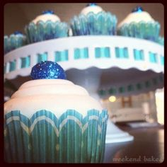 weekendbakes_lemonblueberrycupcakes1