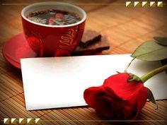Анимация Чашка горячего кофе, на столе лежит алая роза с запиской, летят сердечки (С добрым утром, любимая), автор UMA